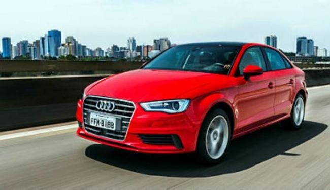 A Audi produz o A3 sedã no Paraná. Tem motor 1.4 TFSI ou 2.0 TSFI gasolina, de 220 cv - Foto: Divulgação