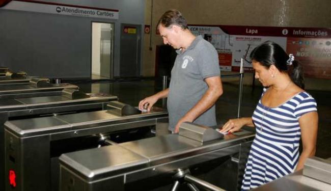 Início da cobrança foi marcado por movimento tranquilo de passageiros nas estações - Foto: Luciano da Matta | Ag. A TARDE