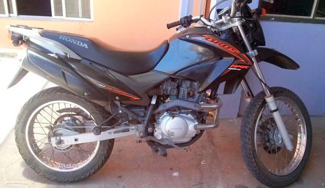 A moto foi roubada em 2011 durante os 10 minutos que ficou estacionada no centro de São Vicente, SP - Foto: Reprodução | Arquivo Pessoal | Alexandre Pinto