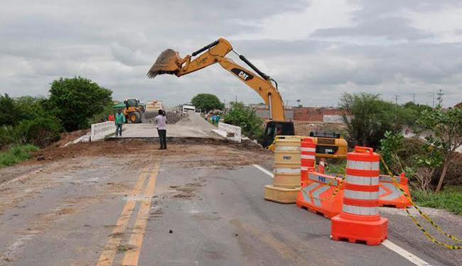 Durante a reconstrução, o acesso ao município é feito por meio de um desvio na lateral da rodovia - Foto: Divulgação | Alberto Coutinho | GOVBA