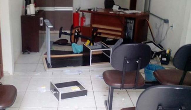 Empresário destruiu equipamentos da prefeitura e jogou fezes humanas - Foto: Site Teixeira News
