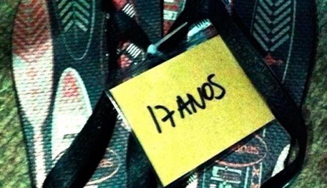 Nos calçados, os jornalistas irão colocar uma etiqueta indicando o tempo de casa - Foto: Reprodução | Notícias da TV