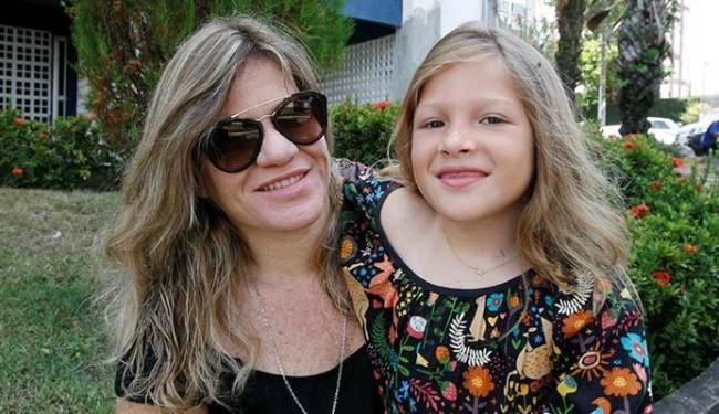 A fotógrafa Renata Marques fica atenta a perfis suspeitos na página da filha Sophia, de 6 anos - Foto: Luciano da Matta | Ag. A TARDE