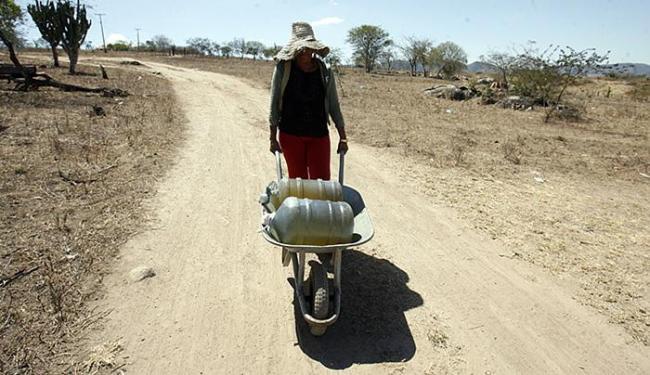Seca no semiárido baiano dificulta a vida na região - Foto: Luiz Tito l Ag. A TARDE l 02.12.2015