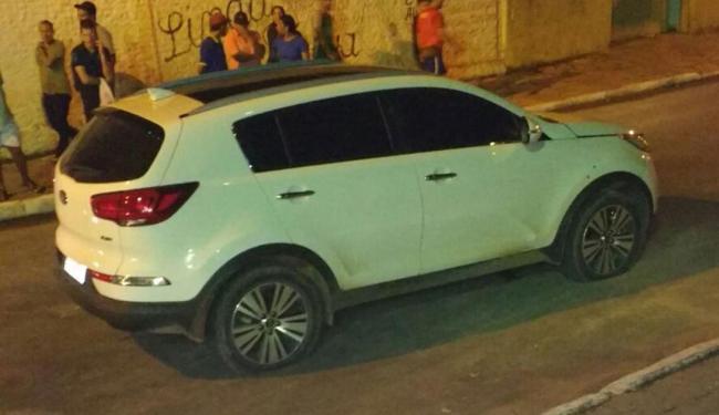 As vítimas estavam em um veículo branco, modelo Kia Sportage, nas imediações da Praça Tancredo Neves - Foto: Divulgação Policia Militar
