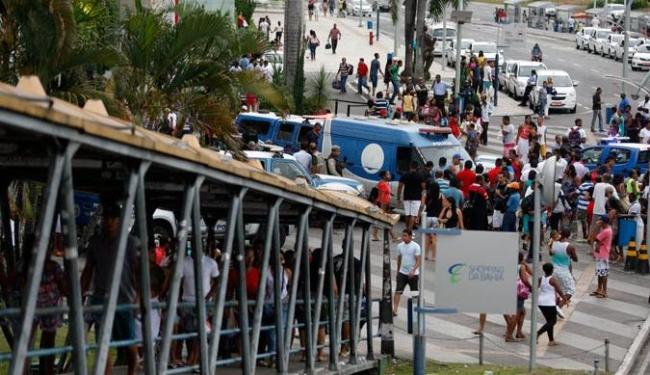 Segundo a Marinha, a morte ocorreu em uma passarela da avenida ACM - Foto: Luiz Tito | Ag. A TARDE