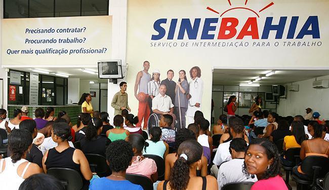 Para jovens aprendizes são 80 vagas no cargo de operador de calçados apenas em Jequié - Foto: Arestides Baptista | Ag. A TARDE