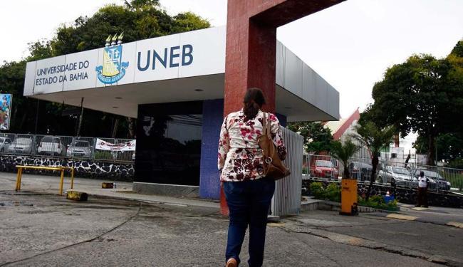 Se houver paralisação, não irão funcionar os atendimentos clínico e laboratorial à população - Foto: Joá Souza   Ag. A TARDE   10.08.2015