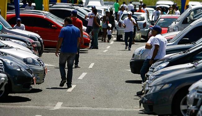 Evento conta com a presença das principais revendas de usados de Salvador. - Foto: Joá Souza | Ag. A TARDE l 29.08.2014