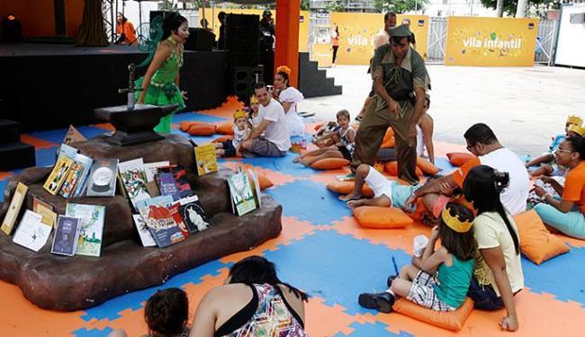 Atores encenaram Chapeuzinho Vermelho e Peter Pan para o público mirim - Foto: Luciano da Mata l Ag. A TARDE