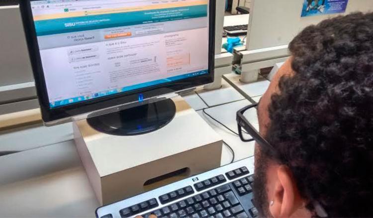 Matrícula dos aprovados no Sisu deve ser feita entre 9 e 13 de junho - Foto: Paula Pitta | Ag. A TARDE