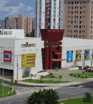 Mega Store da Insinuante na Paralela fecha as portas - Foto: Divulgação