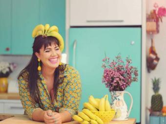 A confeiteira Raiza Costa, que apresenta programa Rainha da Cocada, no canal GNT - Foto: Divulgação