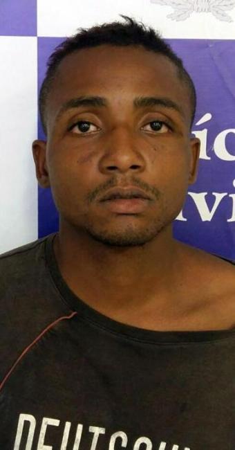 Givanilson foi preso depois de roubar passageiros de um ônibus em Botas - Foto:   Ag. A TARDE