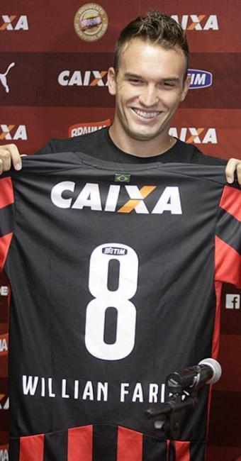 Willian Farias é só alegria após as duas primeiras partidas pelo Vitória - Foto: Raul Spinassé | Ag. A TARDE