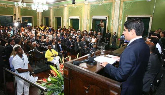ACM Neto discursou por quase uma hora no reinício das atividades da Câmara - Foto: Edilson Lima| Ag. A TARDE