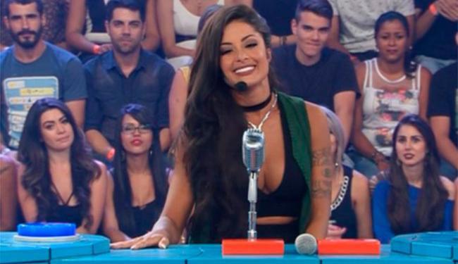 Em sua estreia, Aline já chegou apresentando o programa - Foto: Reprodução   Tv Band
