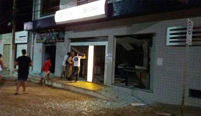 A explosão aconteceu por volta das 2h em uma agência do banco do Brasil - Foto: Site Augusto Urgente