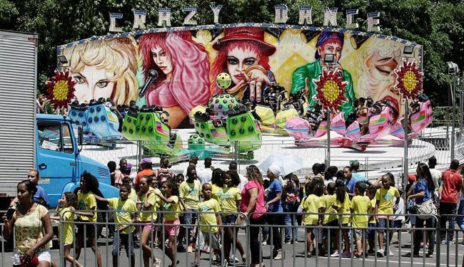 Comunidade de Santa Cruz se divertiu no parque de diversões montado na arena - Foto: Luciano da Matta | Ag. A TARDE