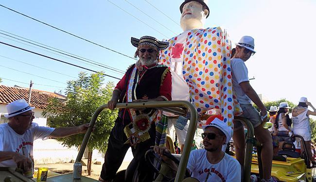 Os barreirenses e visitantes saíram às ruas para celebrar a festa - Foto: Miriam Hermes l Ag. A TARDE