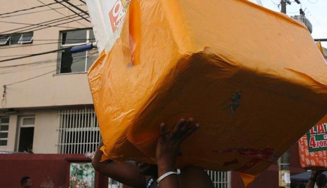 No circuito a venda permitida é apenas da cerveja Schin - Foto: Arestides Baptista | Ag. A TARDE | 09.03.2011