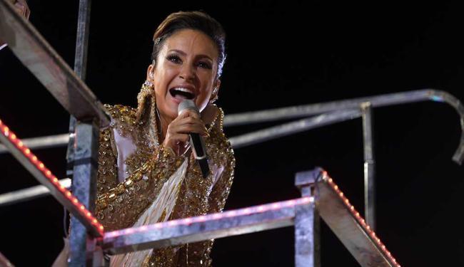 Cantora comandou dois blocos em Salvador - Foto: Raul Spinassé   Ag. A TARDE