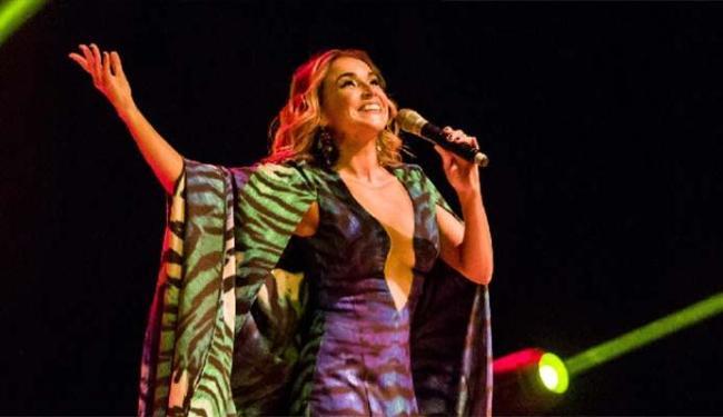 Daniela dá uma roupagem intimista a sucessos da carreira e da MPB - Foto: Celia Santos | Divulgação