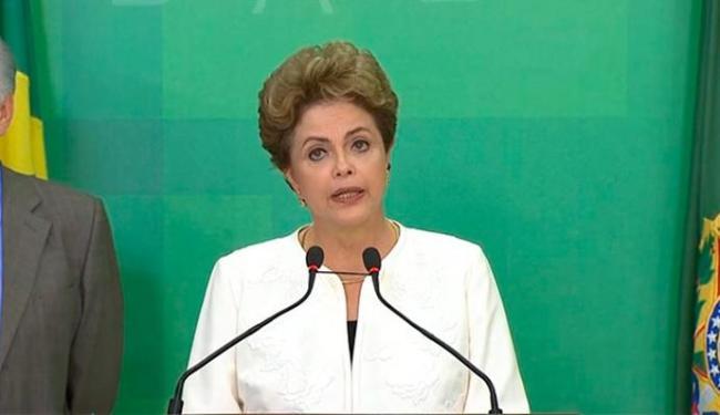 Dilma convocou as Forças Armadas para ajudar a fazer ações de limpeza para combater criadouros - Foto: Reprodução | TV NBR