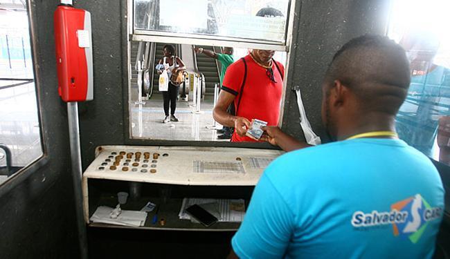 R$ 3,30 é o valor da tarifa para quem pega trem a partir do terminal - Foto: Luciano da Matta l Ag. A TARDE