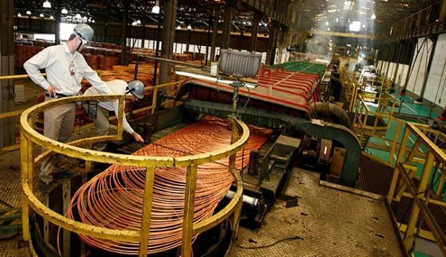 As atividades de metalurgia amargaram no exercício do ano passado uma queda de mais de 11% - Foto: Luciano da Matta l Ag. A TARDE l 17.12.2014