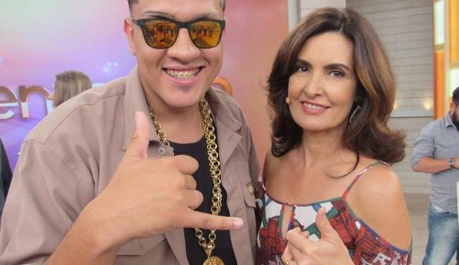 A apresentadora recebeu o cantor paulistano no Encontro desta quarta-feira, 17 - Foto: Divulgação   GShow
