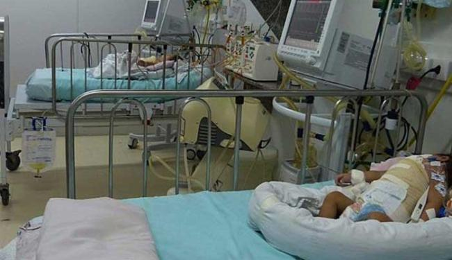 Júlia e Fernanda, de 5 meses, seguem internadas sem previsão de alta - Foto: Divulgação HMI