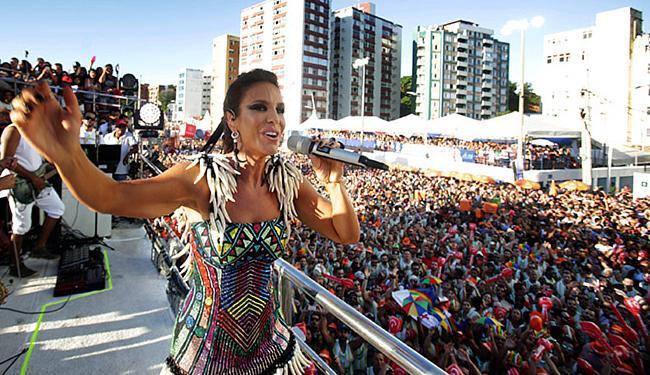 Ivete anunciou que será a despedida dela deste desfile da ressaca - Foto: Raul Spinassé l Ag. A TARDE