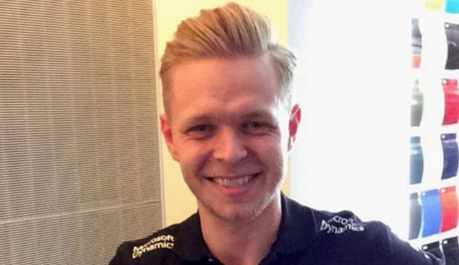 Dinamarquês está confirmado como um dos pilotos titulares da escuderia para a temporada - Foto: Reprodução l Twitter