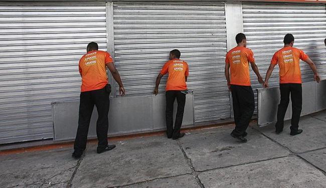 95,4 mil lojas fecharam no ano passado - Foto: Raul Spinassé   Ag. A TARDE