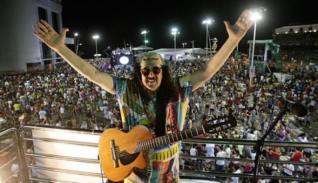 Moraes embalou a festa sem cordas na Barra - Foto: Margarida Neide l Ag. A TARDE