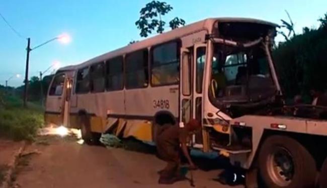Equipes dos Bombeiros e da empresa de ônibus foram encaminhadas ao local - Foto: Reprodução | TV Bahia