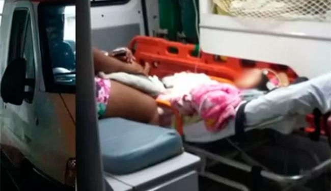 Garota foi levada para o hospital de Teixeira da Freitas - Foto: Reprodução | Itamaraju Notícias