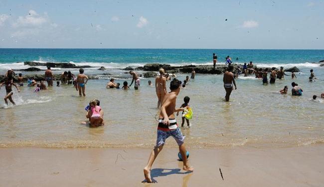 Das 37 praias avaliadas pelo órgão, 13 estão impróprias para o banho - Foto: Luciano da Matta | AG. A TARDE