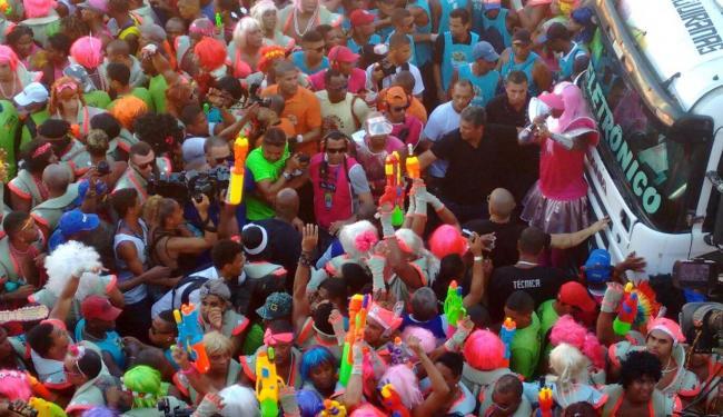 Márcio Victor manteve a tradição e fez a festa com os associados do bloco - Foto: Teófilo Henrique | Ag. A TARDE