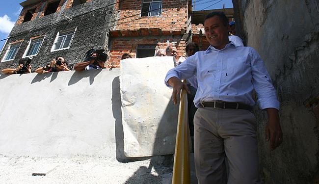 Rui andou pelas ruas e conversou com os moradores - Foto: Luciano da Matta l Ag. A TARDE
