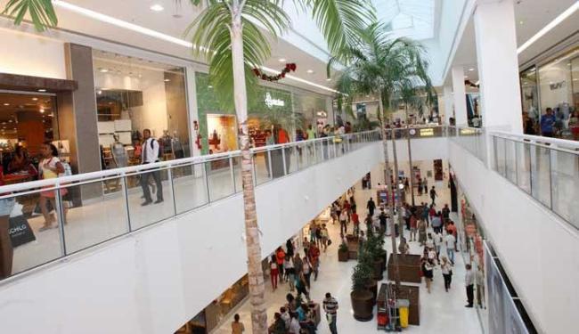 Na maioria dos shopping, as lojas ficarão fechadas na segunda, 8, e terça, 9 - Foto: Margarida Neide | Ag. A TARDE