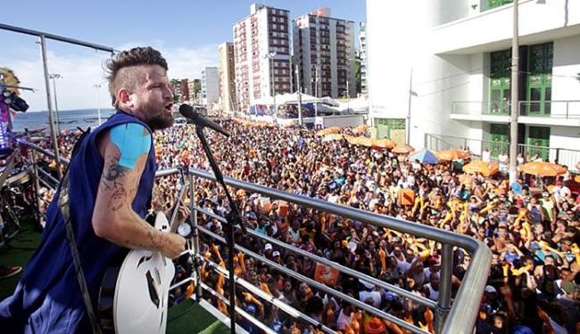 """""""Se meu carnaval acabasse agora, já estaria feliz da vida. Está demais"""", disse Saulo - Foto: Raul Spinassé l Ag. A TARDE"""