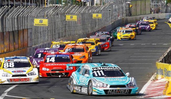 Stock Car é a principal modalidade de automobilismo do país - Foto: Eduardo Martins   Ag. A TARDE   15/11/2014