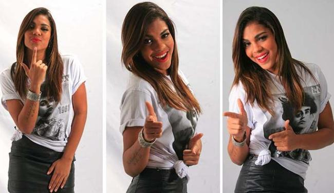 Tays Reis, vocalista da Vingadora, dança a Metralhadora - Foto: Raul Spinassé | Ag. A TARDE