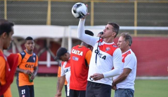 Vagner Mancini comandou um treino técnico na tarde desta terça-feira, 16 - Foto: Divulgação l EC Vitória