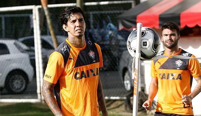 Zagueiro (E) já treinou nesta segunda-feira, 15, na Toca do Leão - Foto: Adilton Venegeroles l Ag. A TARDE