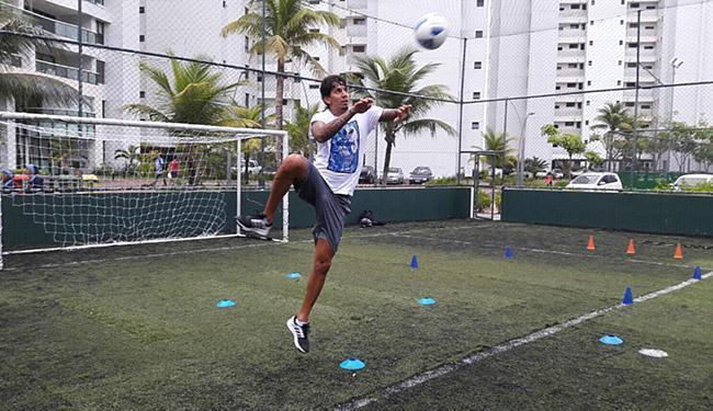 Zagueiro Victor Ramos está de férias em Salvador, treinando enquanto não define o seu futuro - Foto: Divulgação l Assessoria de imprensa