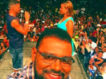 Pablo registrou o momento do pedido no palco - Foto: Reprodução | Facebook