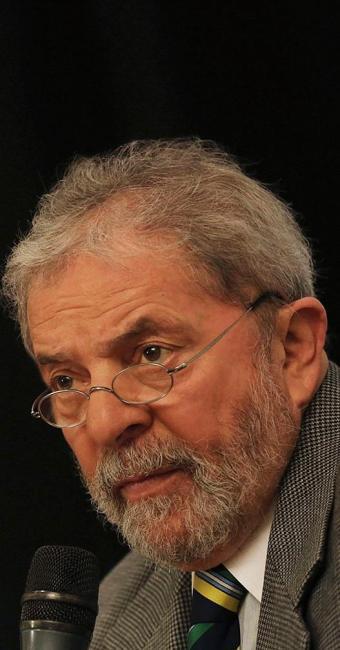 Promotores recusaram-se a confirmar se eles pediram a prisão do presidente na denúncia - Foto: Nacho Doce l Reuters